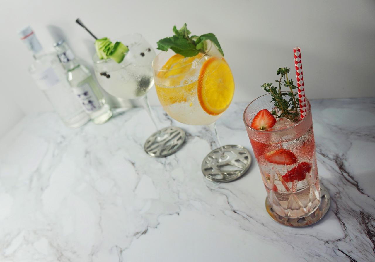 gin koktejly
