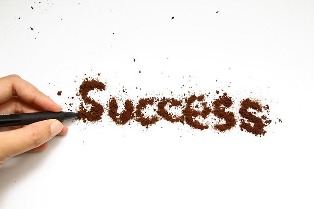 úspěch psaný kávou